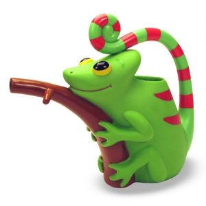 Картинка - Verdie Chameleon Watering Can Melissa and Doug 6260 Лейка Хамелеон Верди