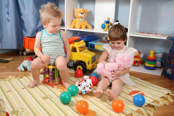 Как приучить ребенка к порядку и украсить детскую