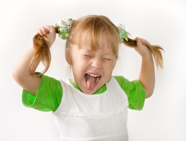 Как выйти с ребенком на улицу без истерик?